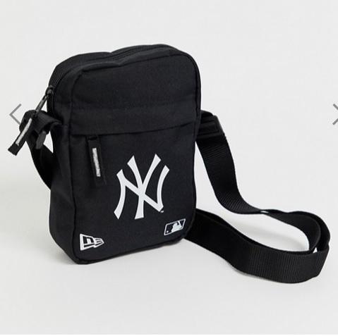 לצפייה במוצר NEW ERA NY FLIGHT BAG BLACK