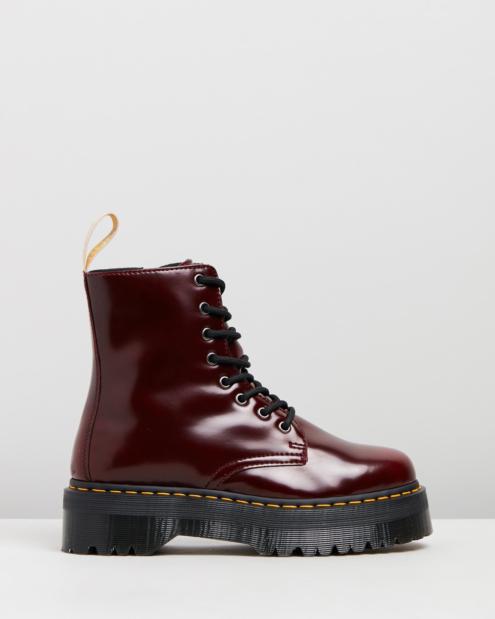 לצפייה במוצר Dr Martens vegan Jadon II 8-eye platform boots in red