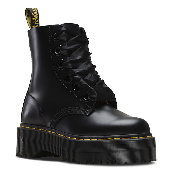 לצפייה במוצר Dr. Martens Molly 6 Eye Boot Black Buttero