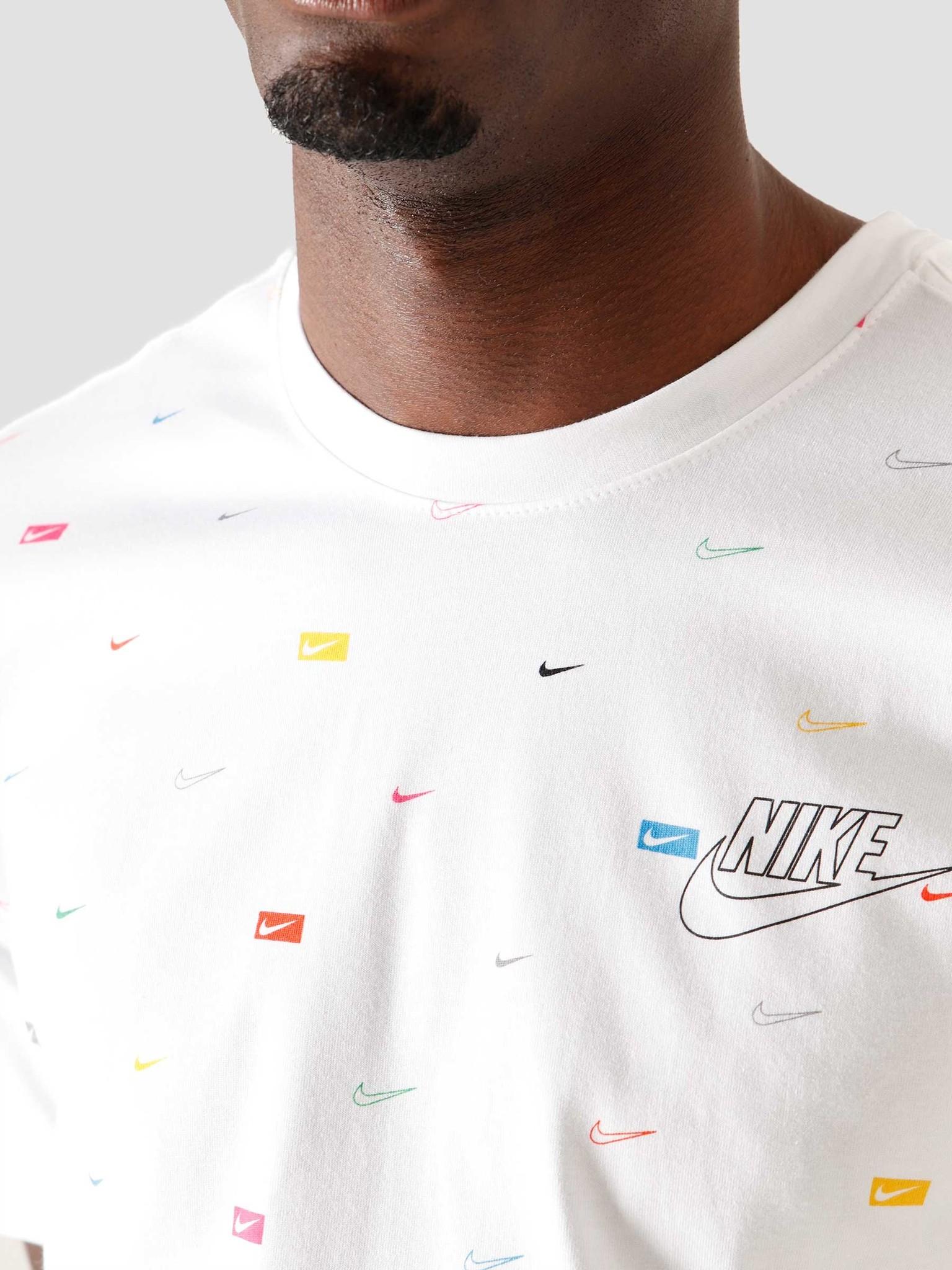לצפייה במוצר  Nike colored logo Printed Shirt