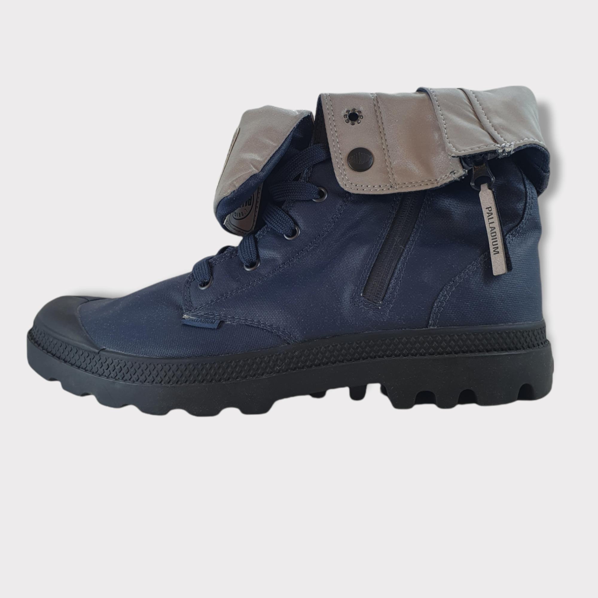 לצפייה במוצר Blue leather