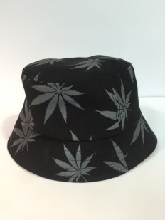 לצפייה במוצר BLACK & GREY WEED BUCKET HAT