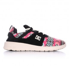 לצפייה במוצר DC SHOES - HEATHROW SE BLACK GRAPHIC