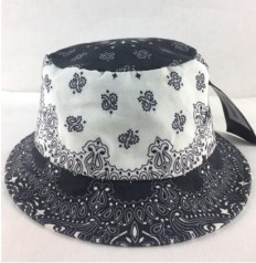 לצפייה במוצר BLACK BANDANA BUCKET HAT