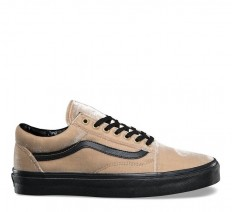 לצפייה במוצר OLD SKOOL - VELVET TAN BLACK