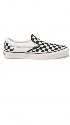 לצפייה במוצר VANS CLASSIC SLIP ON WHITE/BLACK