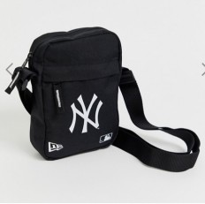 לצפייה במוצר NEW ERA NY FLIGHT BAG BLACK