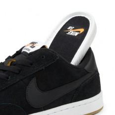 לצפייה במוצר   Nike SB FC Classic