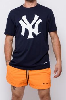 לצפייה במוצר   Champion Crewneck T-shirt